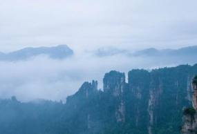 包团-12:天门山、张家界、天子山、黄龙洞、猛洞河、凤凰古城五晚六日游