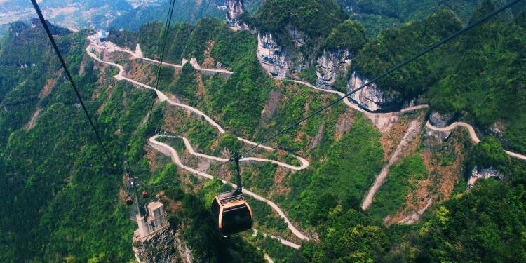 参团-11:ag赌神|官网、大峡谷玻璃桥、天门山、猛洞河、凤凰六日游